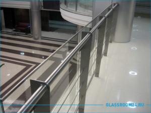 Ограждения на балкона из стекла и алюминиевого профиля
