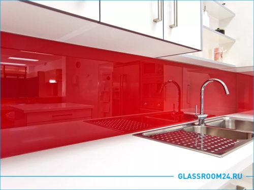 Красный кухонный фартук из стекла