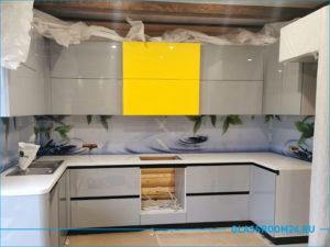 Стеклянный фартук на кухню с фотопечатью в виде воды