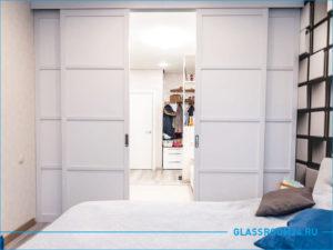 Разделение спальни и коридора