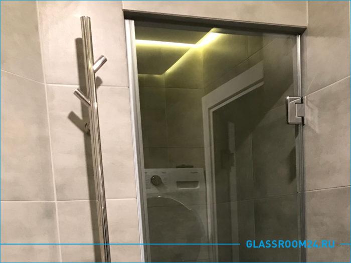 Фото стеклянной двери в микрорайоне Белые росы